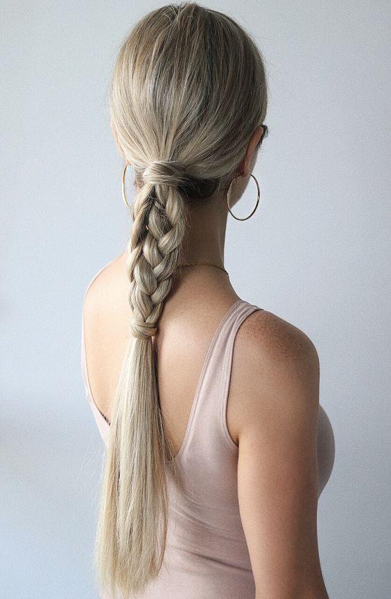 Blond włosy do pracy